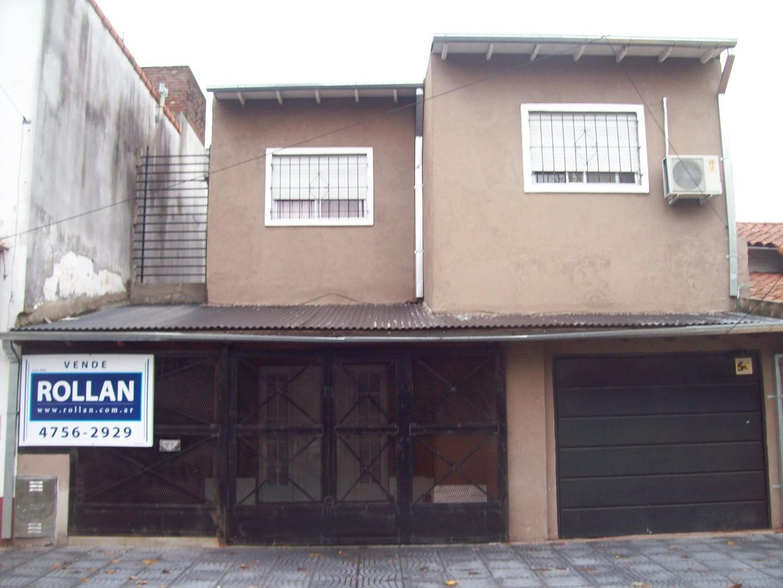 Excelente chalet de 5 amb. en venta en Carapachay! En muy buena zona residencial!!