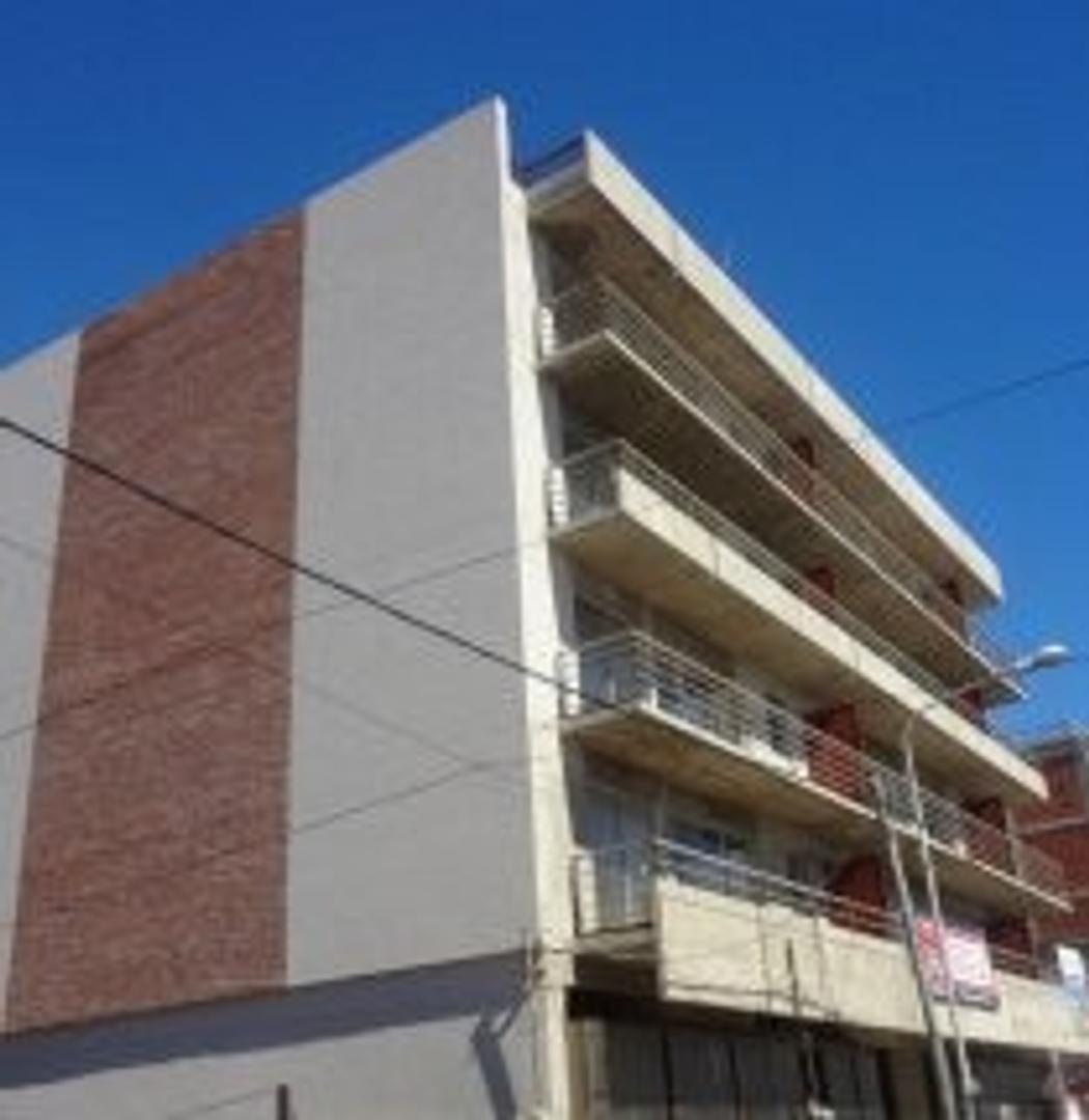 2 ambientes con balcon corrido cochera y baulera