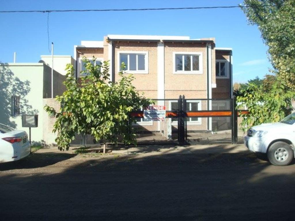 Dplx. 3 Dormitorios con patio, entrada para auto y parrilla!! A ESTRENAR!!!