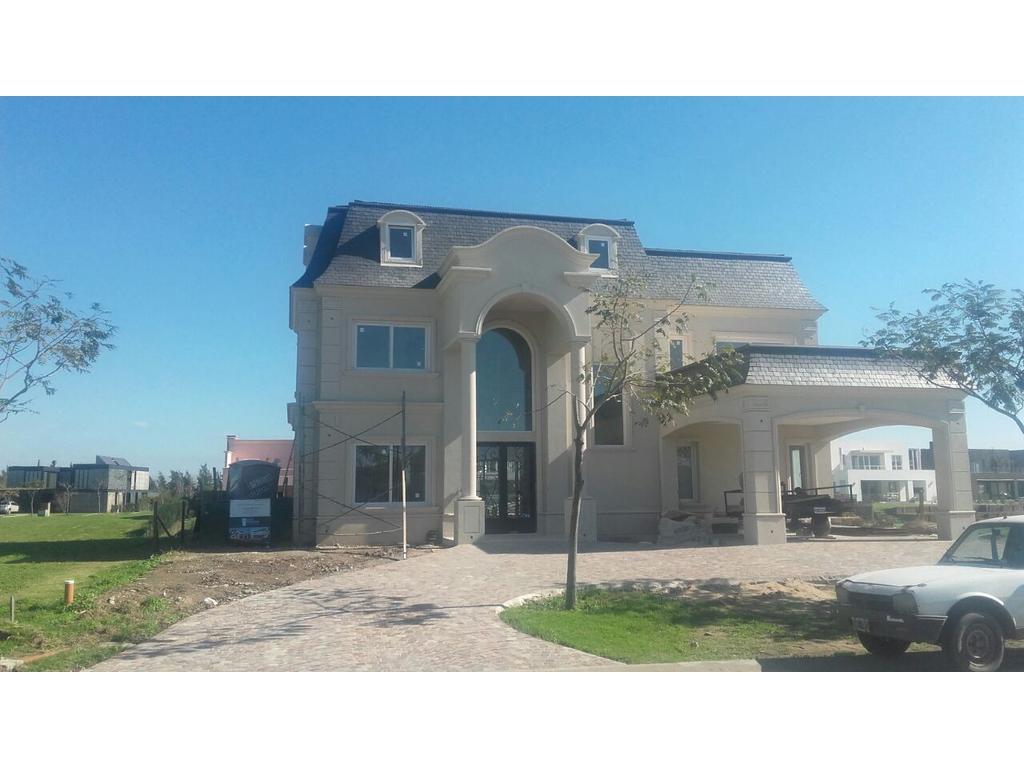 Casa 604m2, 3 plantas y 5 dormitorios en barrio Lagos Del Golf, Nordelta