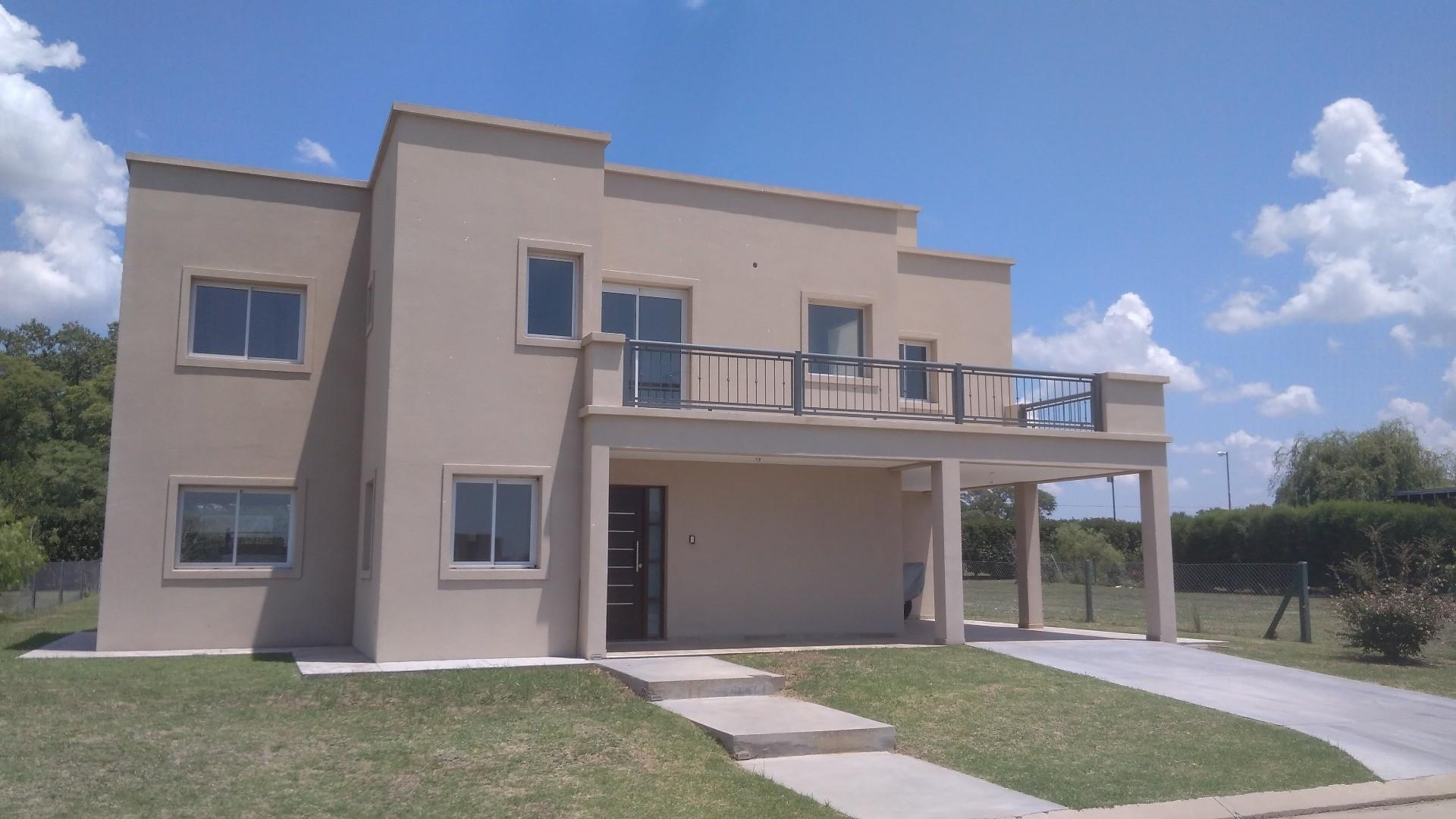 Casa de tres dormitorios a estrenar en Barrio San Sebastian
