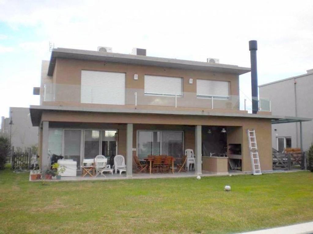 LOS ALISOS - NORDELTA: OPORTUNIDAD! Casa en venta!