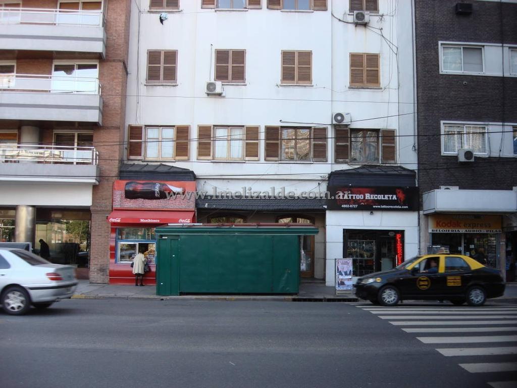 Av. Las Heras y Azcuenaga - Ambiente con patio lindisimo - Recoleta