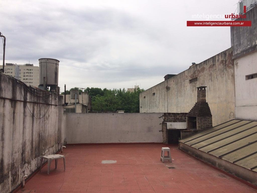 Excelente PH de 3 ambientes con patio y terraza en Villa Crespo