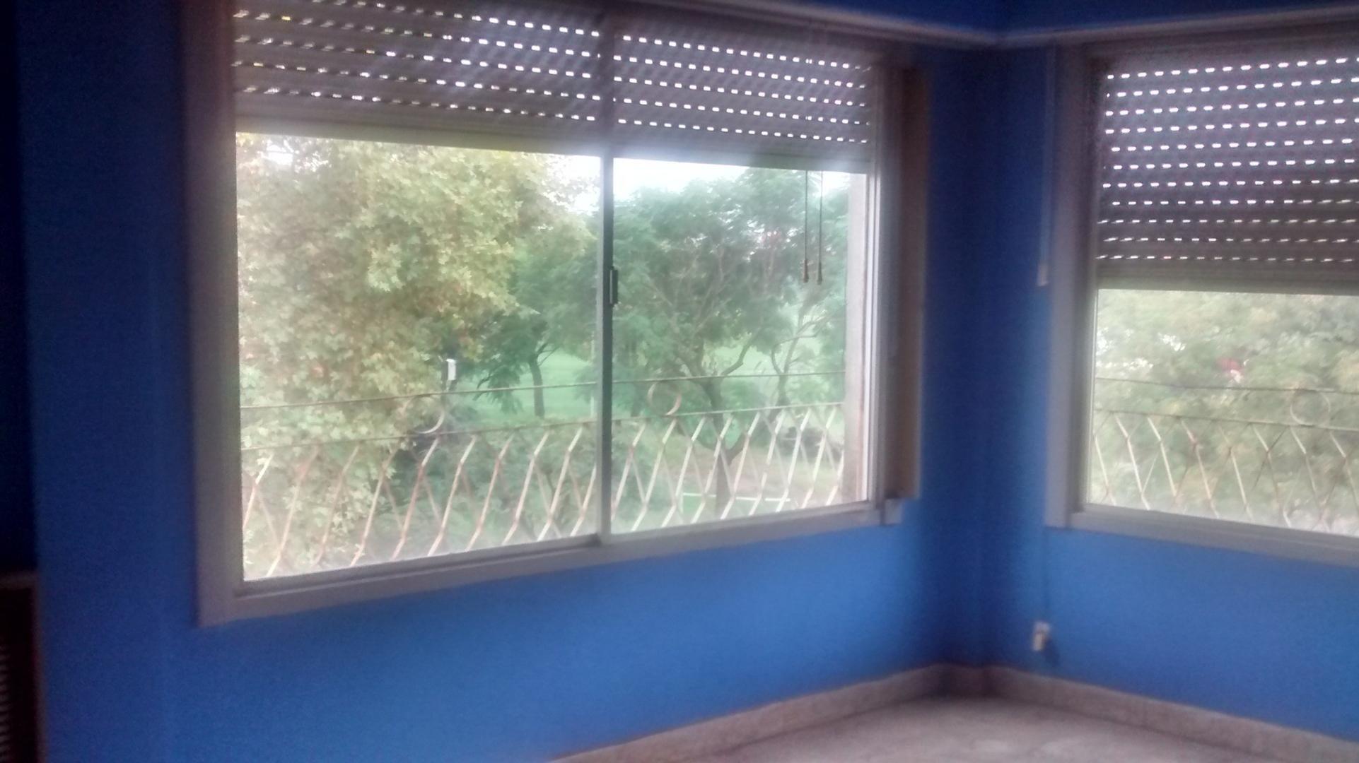 Departamento de 3 ambientes con balcón y Terraza