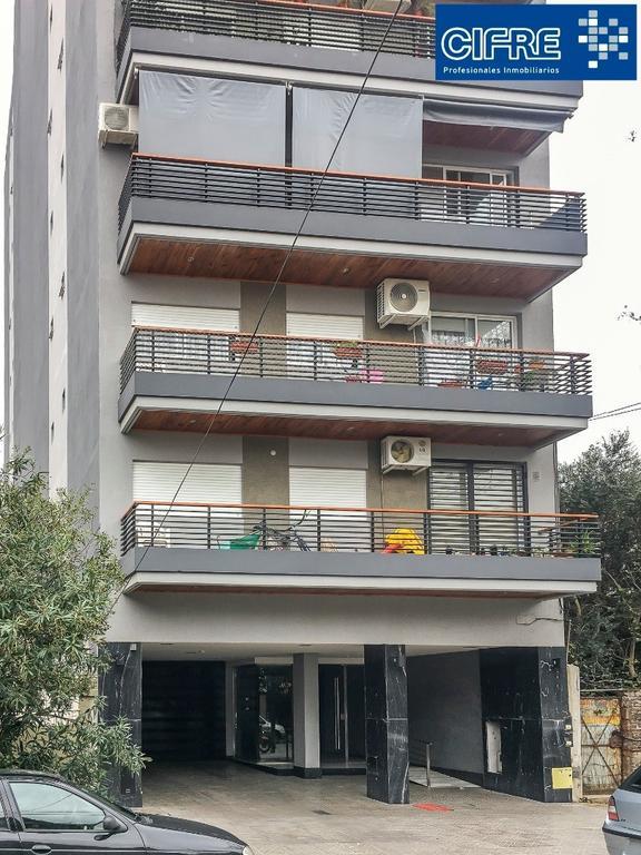 Hermoso departamento de 3 ambientes contrafrente con balcón corrido ( Suc Devoto 4504-4444)