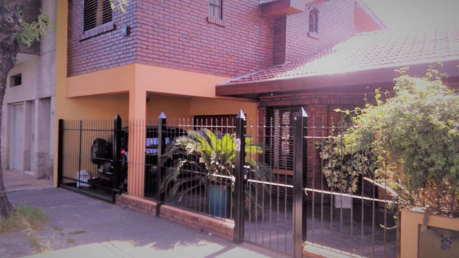 Casa  en Venta ubicado en Olivos, Zona Norte - VTE2604_LP162619_2