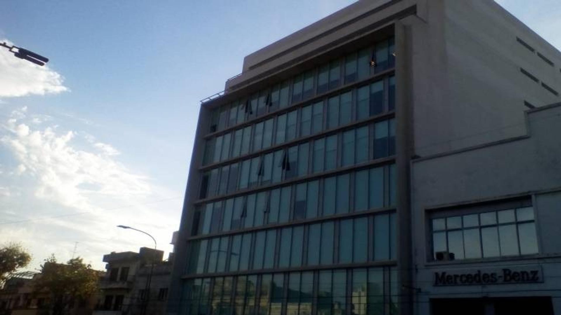 Exelente edificio de oficinas en pleno Polo Tecnologico