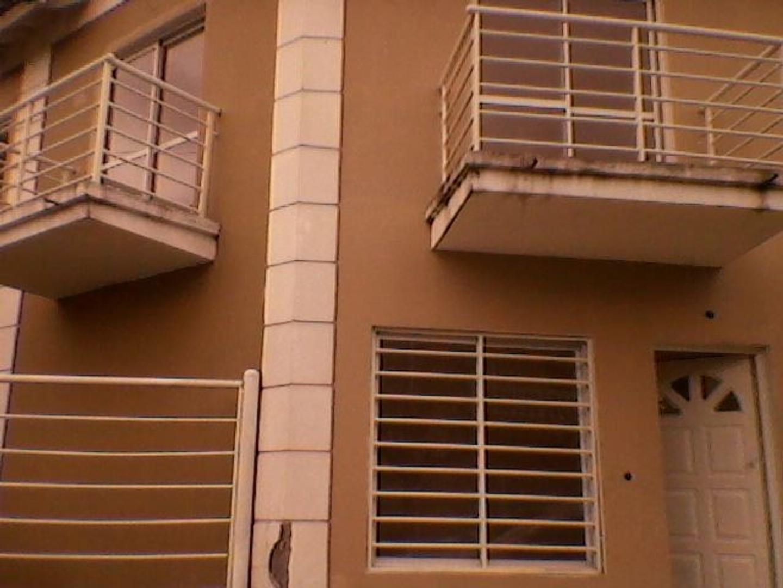 Duplex en Ramos Mejía, La Matanza, Buenos Aires USD 120000 - Beron de Astrada 1500 (Código: 486-001)