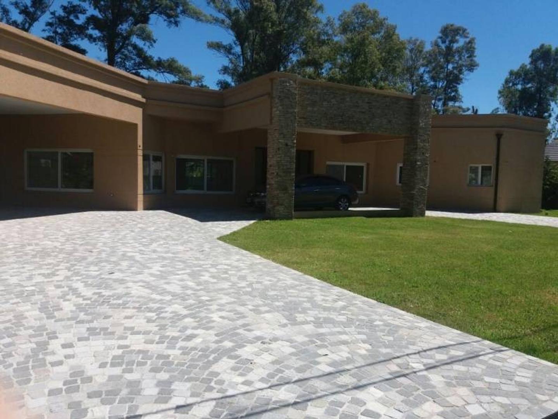 Casa a estrenar San Diego   1500 m2    720 m2 construidos