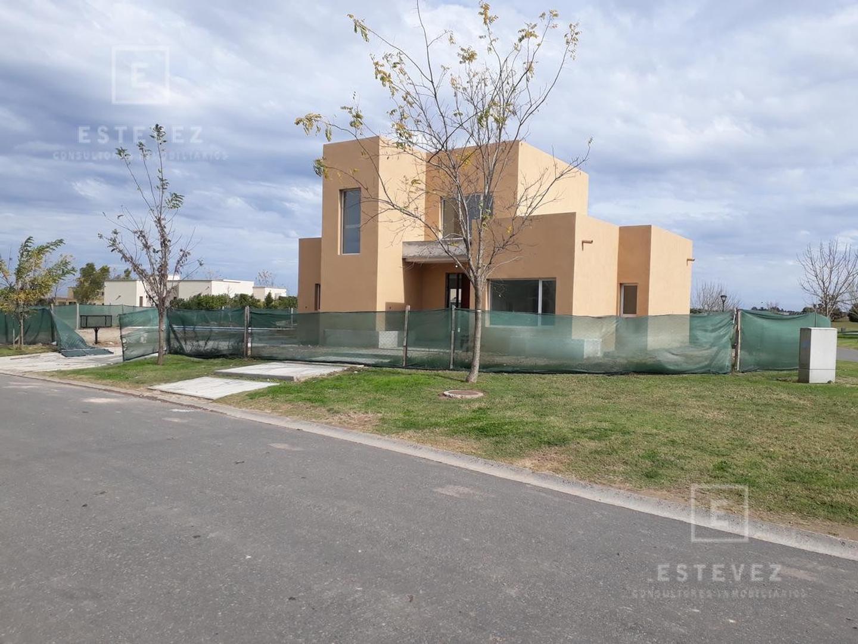 Casa en Venta en El Canton - 4 ambientes