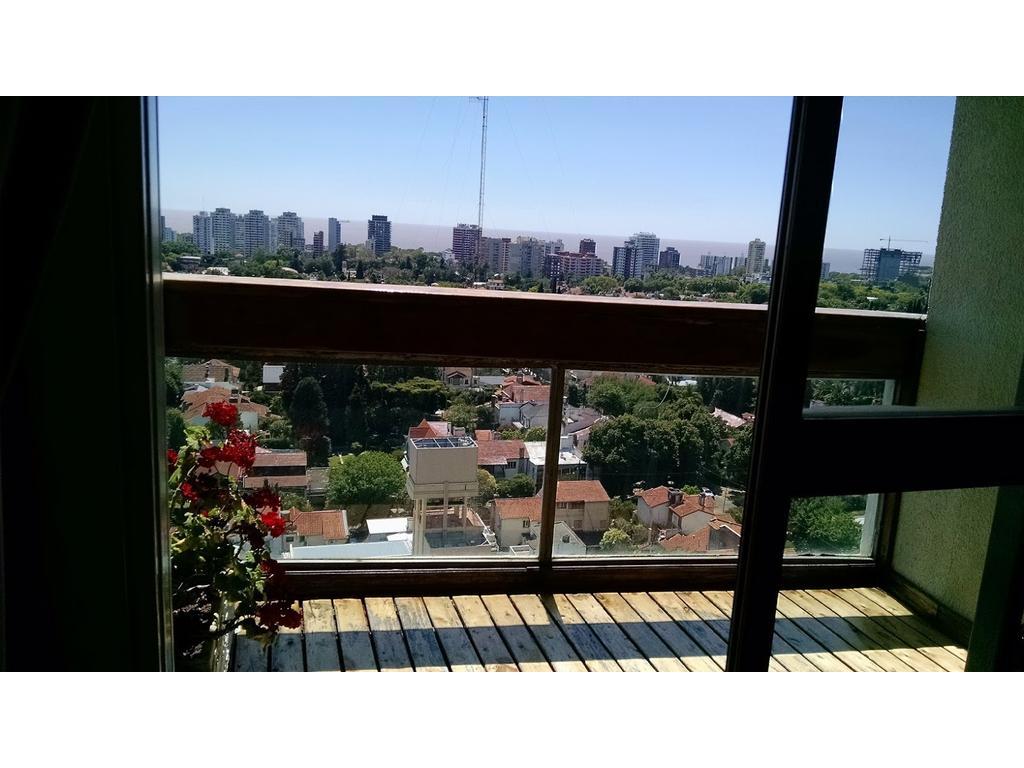 Depto. 3 dormitorios  y Dependencia- Cochera . VISTA AL RIO