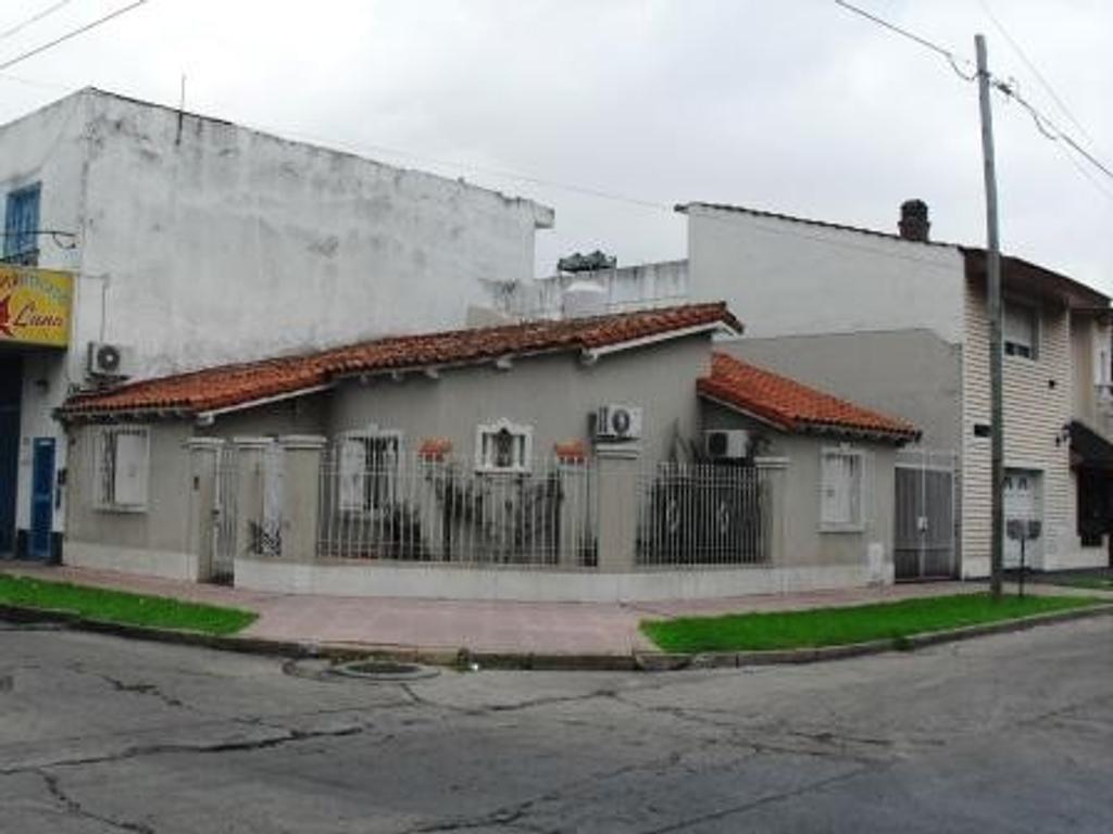 Casa - Venta - Argentina, La Matanza - CASTELLI 746