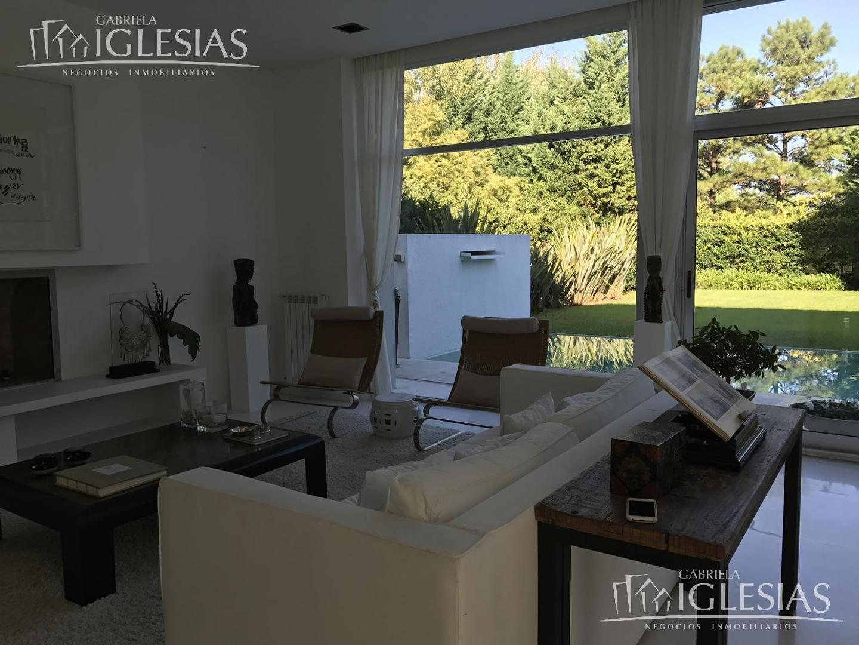 Casa al bosque en venta con 4 dormitorios en La Isla