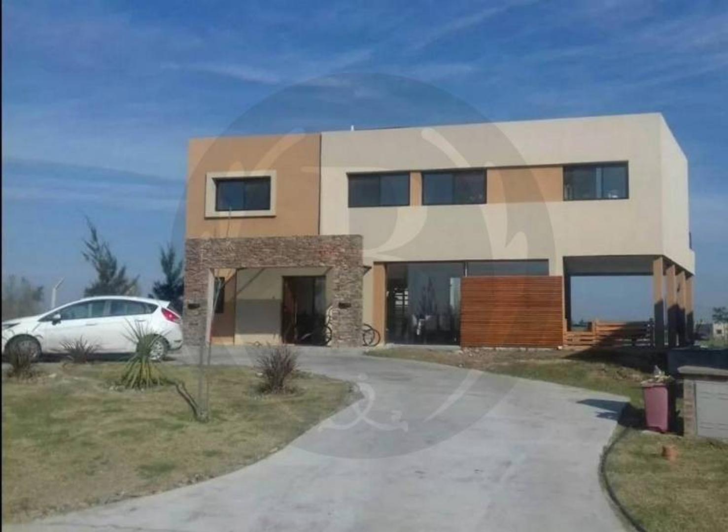 BUSTAMANTE PROPIEDADES - SAN RAFAEL - 8012 Venta Casa