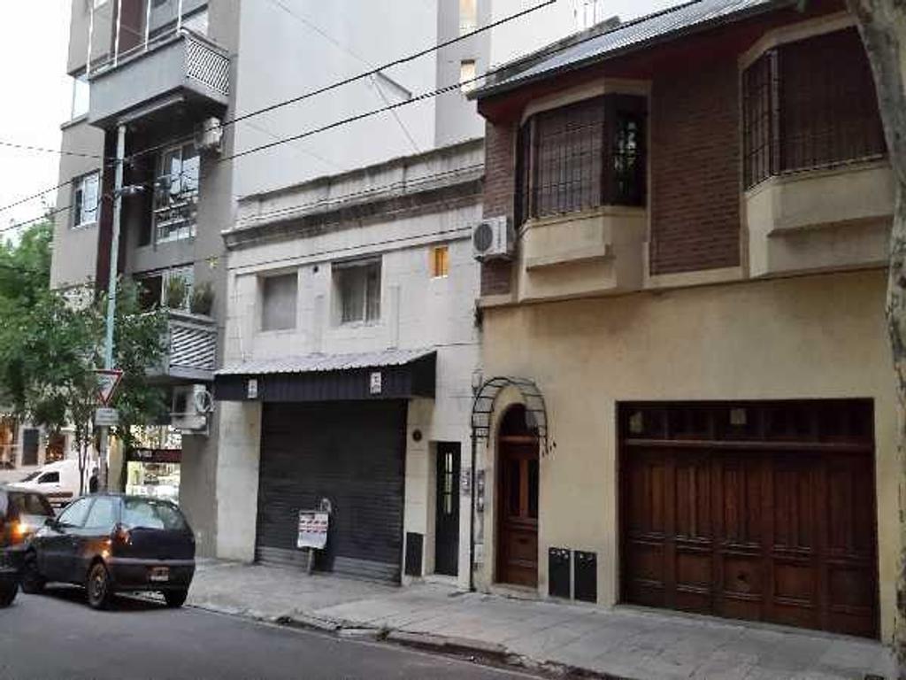 Terreno con local comercial y vivienda. Excelente ubicación Palermo