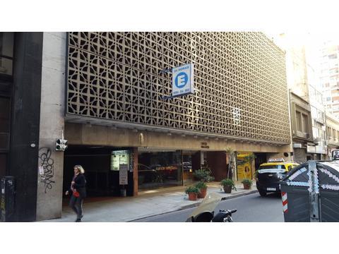 Dueño vende cochera microcentro Viamonte 741