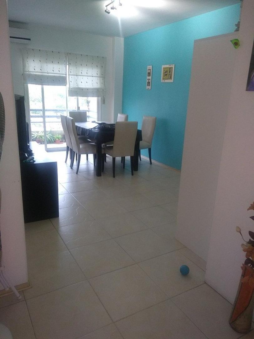 Excelente monoambiente dividido! dormitorio c/placard y ventana, balcon en sector living