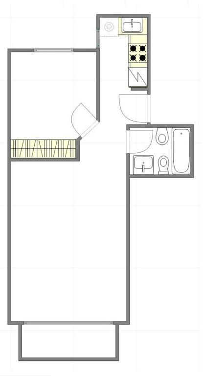 Excelente 2 ambientes c/ dormitorio c/placard, cocina c/ventana y completa, balcon