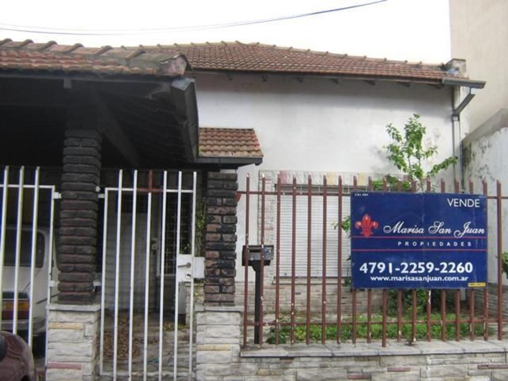 Casa en Venta de 4 ambientes en Buenos Aires, Pdo. de Vicente Lopez, Munro, Munro-Este