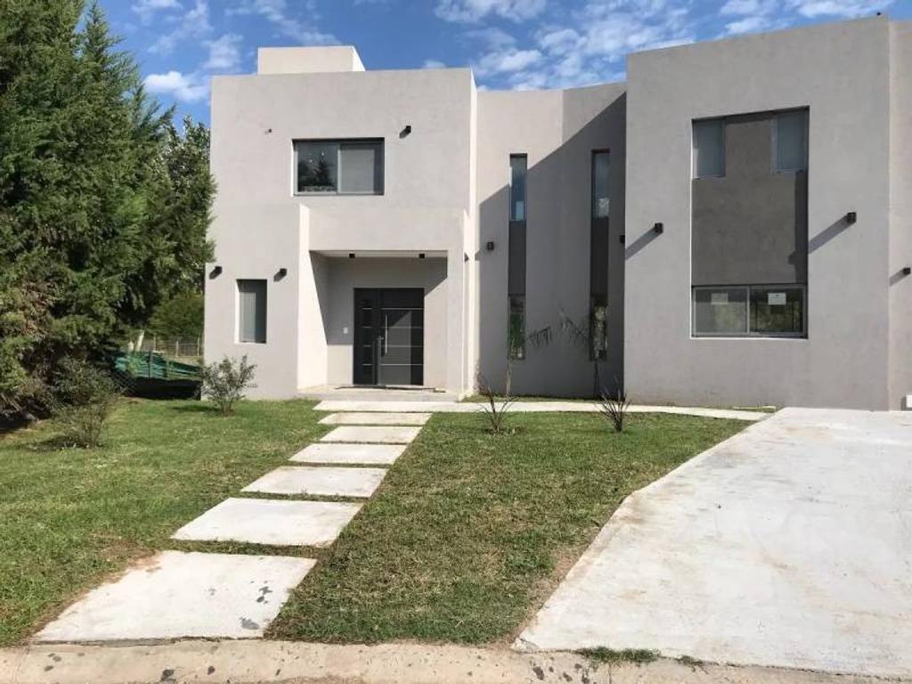 Susana Aravena Propiedades FV Casa en Alquiler a Estrenar en Haras Santa Maria Escobar