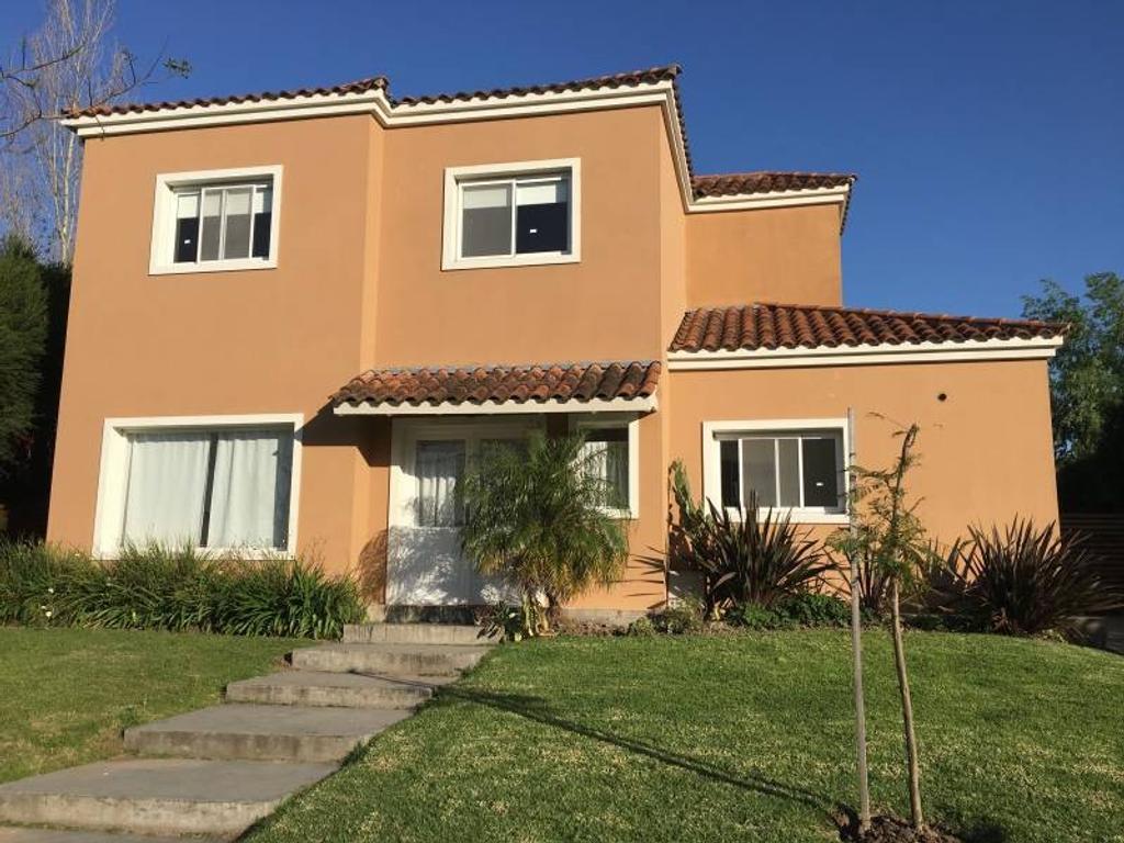 GRAN Oportunidad de casa en Santa Catalina