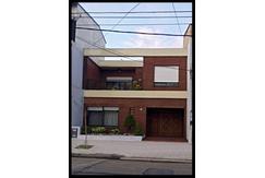 Venta Casa En Avellaneda 5 AMBIENTES - Excelente Estado - Apto Credito