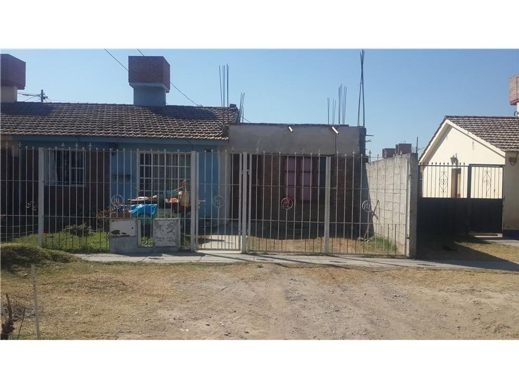 Venta de casa Barrio Los Lapachos