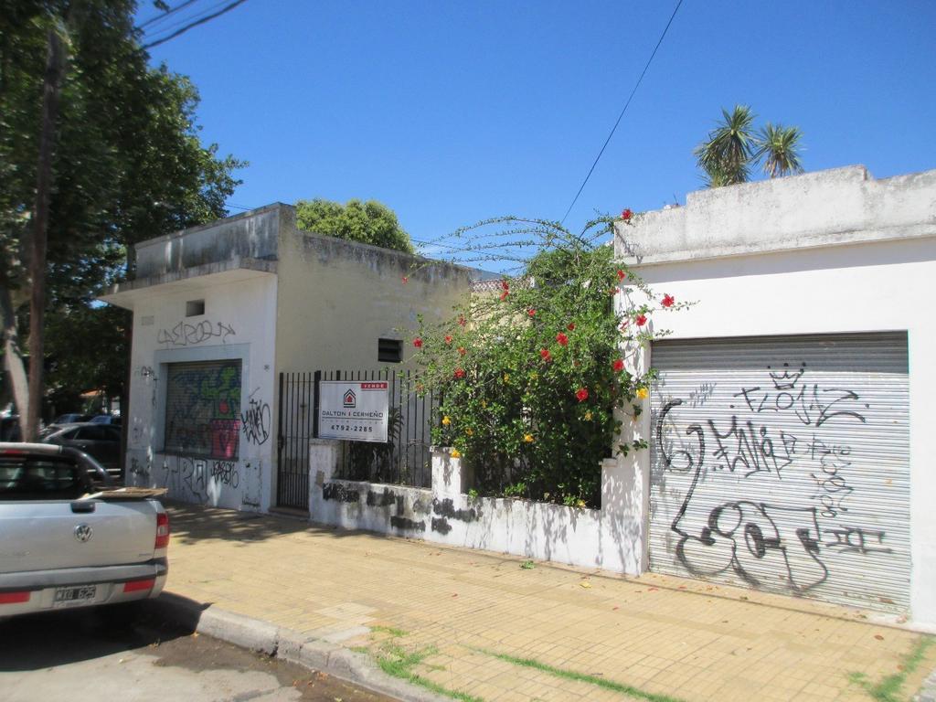 Lote de 11,11 mts. x 16,21 mts. en esquina! A 4 cuadras de la Avenida Santa Fe / Maipú!