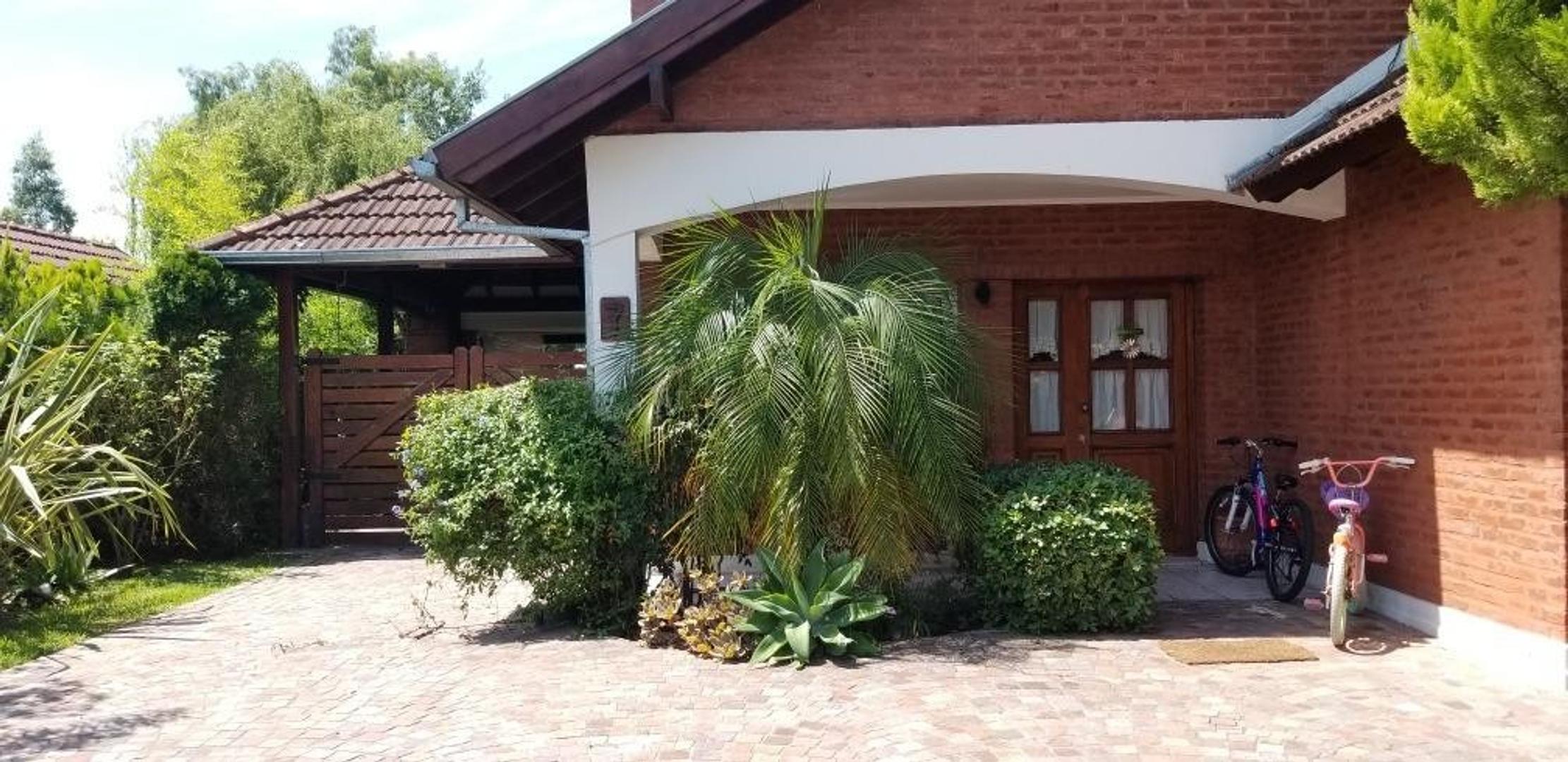 Casa en Alquiler en Echeverria Del Lago - 5 ambientes