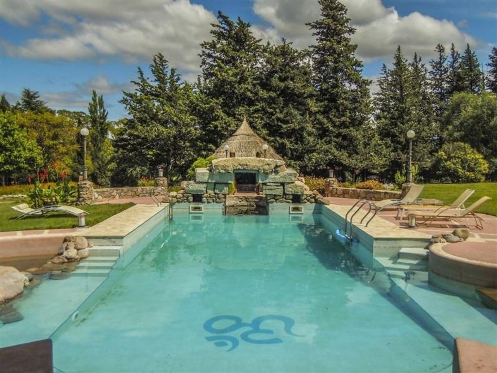 Casa en venta en hotel shanti villa giardino buscainmueble for Terrenos en villa giardino