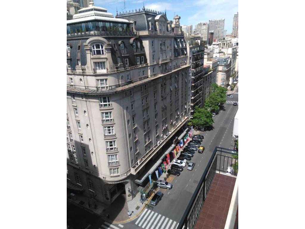 Espectacular Penthouse  en Venta con terraza y parrilla frente al Hotel Alvear
