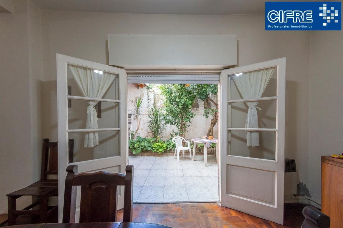 Ph 4 amb en 2 plantas,  baño y toilette, terraza, excelente ubicacion (Suc Devoto 4504-4444)