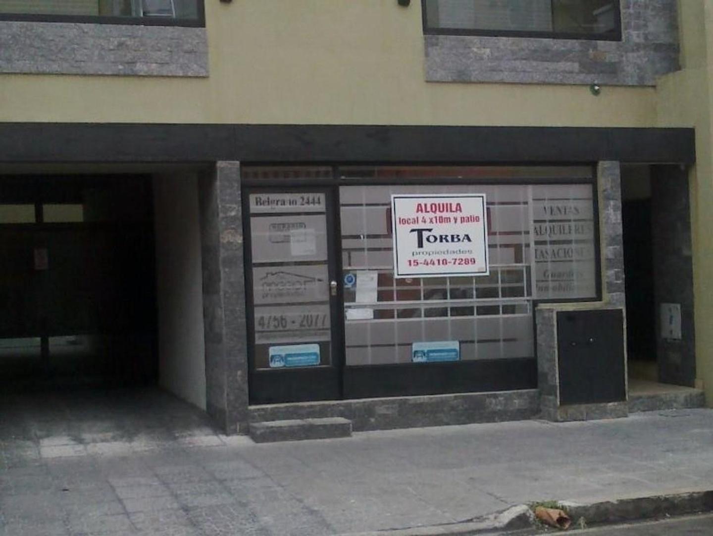 LOCAL  MUNRO A MTS AV. V SARFIELD Y 2 CUADRAS DE LA ESTACION PLENO CENTRO COMERCIAL !