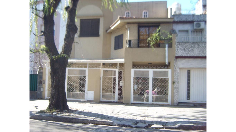 Venta Casa 5 amb. Liniers!!!