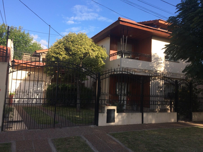 Casa en Venta en Jose Clemente Paz - 5 ambientes