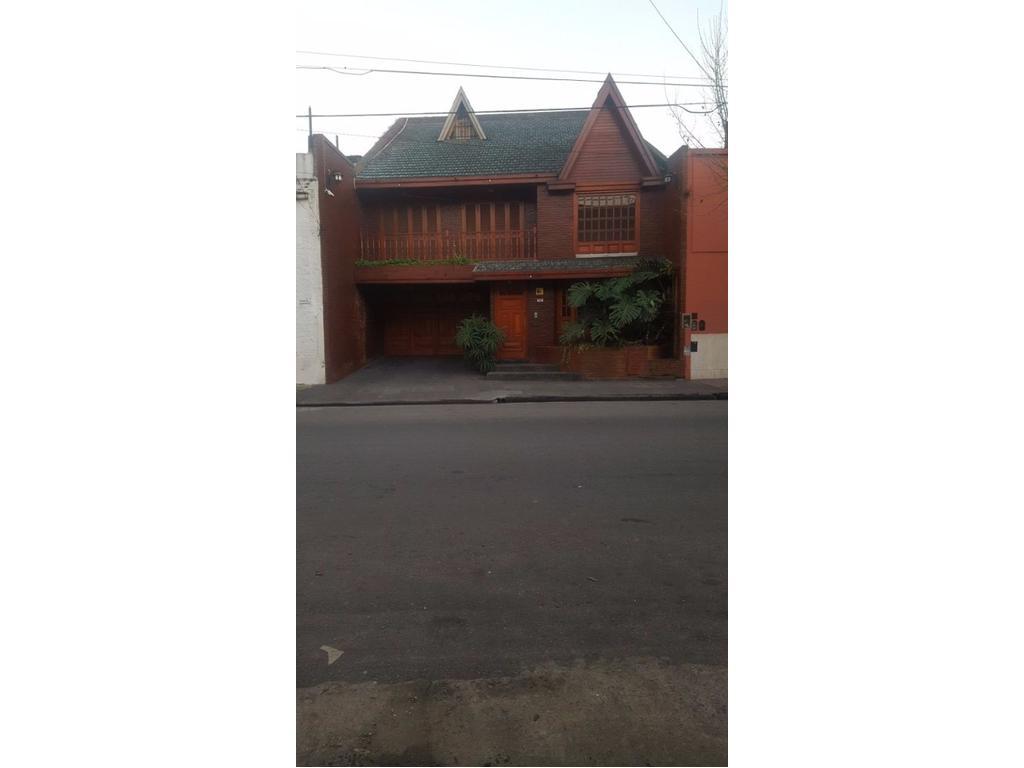 Hermosa casa en avellaneda centro