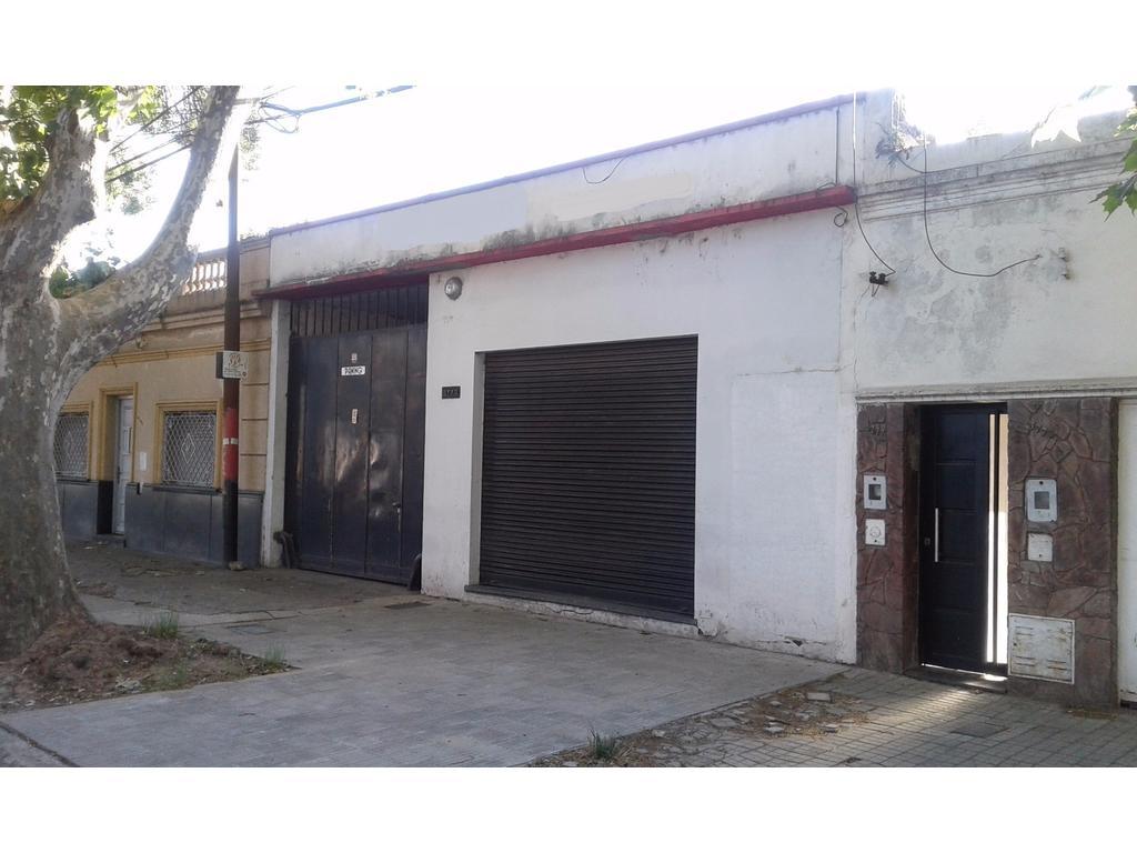 C & P Inmobiliaria: LIQUIDO HOY, galpón, Buenos Aires 3700, 1372 m2 cubiertos, ingreso por 2 calles