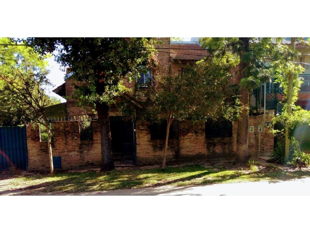Casa en Benavidez cerca de ex ruta 9. Cod.994