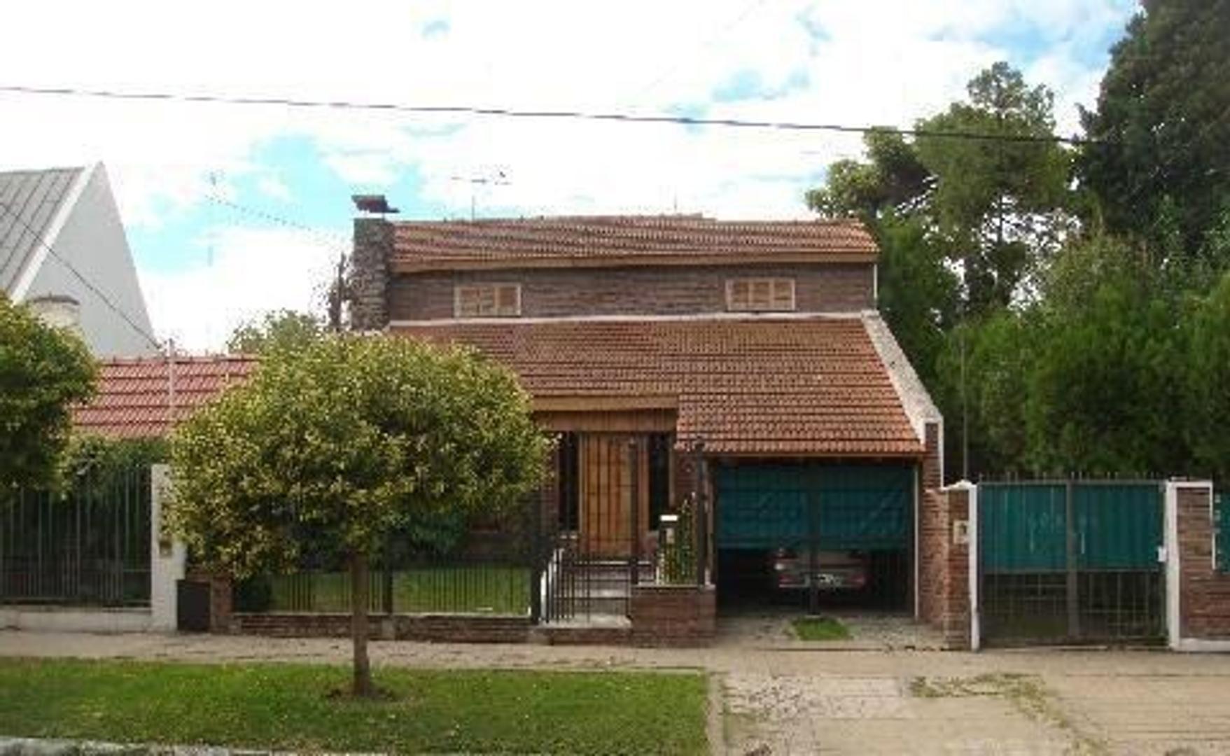 Casa en Venta en Lomas De Zamora - 3 ambientes