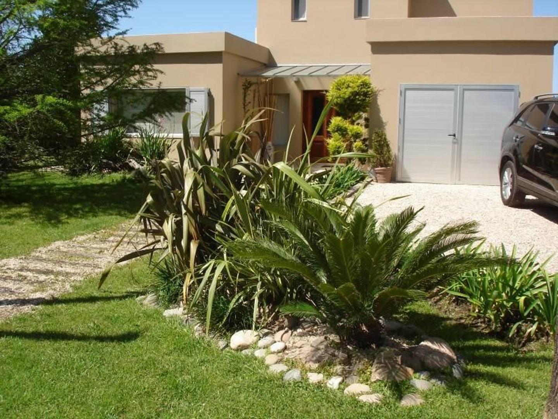 Casa en Venta - 7 ambientes - USD 475.000