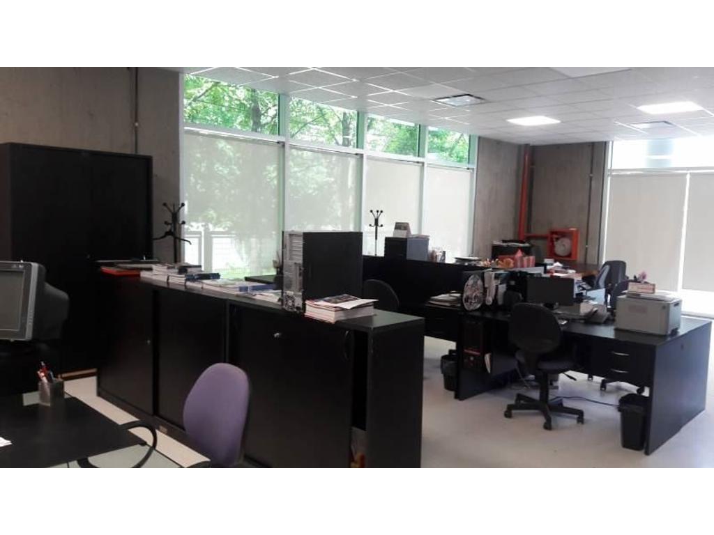Local en venta en edificio bureau 100 pilar argenprop for Bureau local