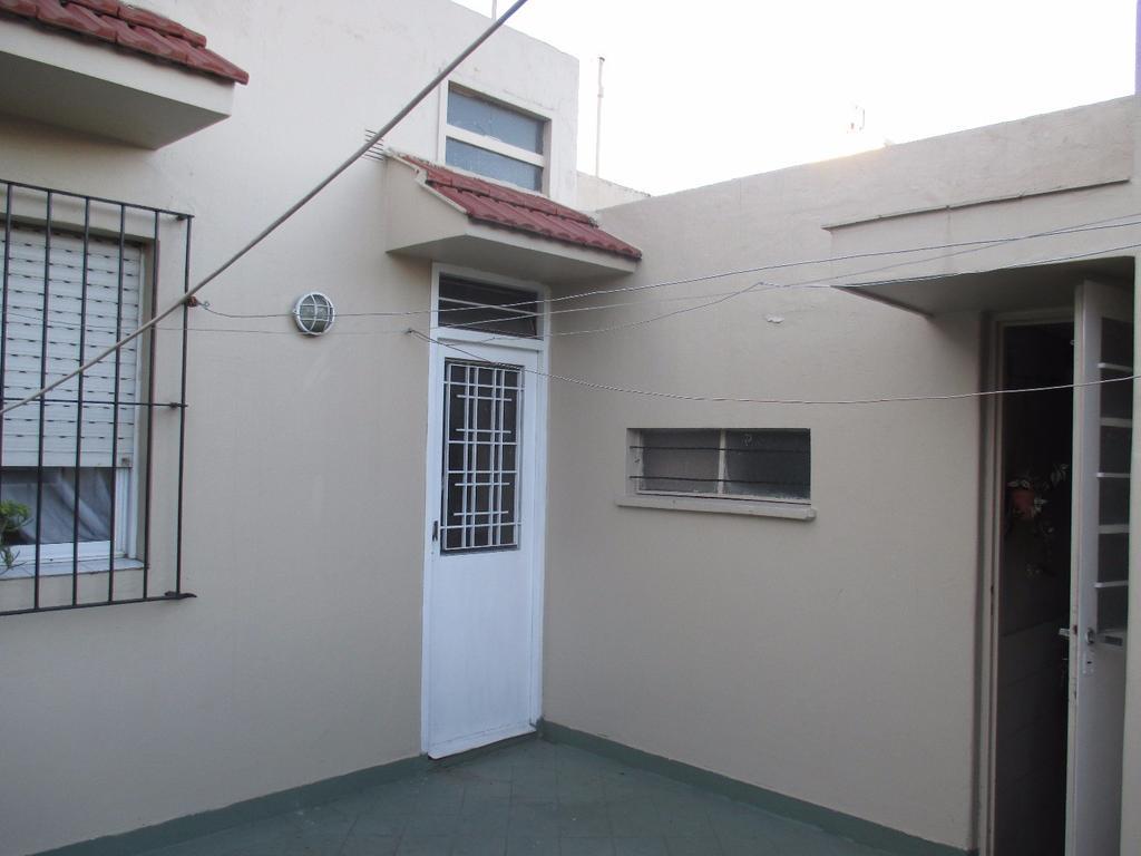 Casa en lote propio en venta en Boedo