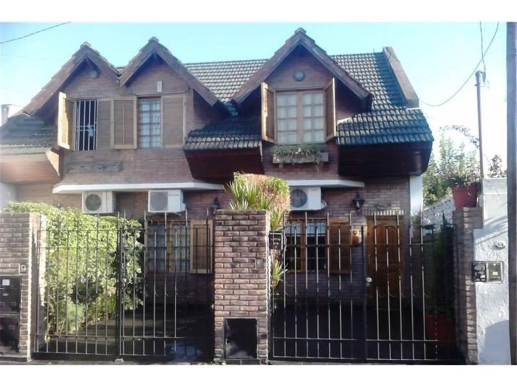 Duplex de tres ambientes en Ramos Mejia