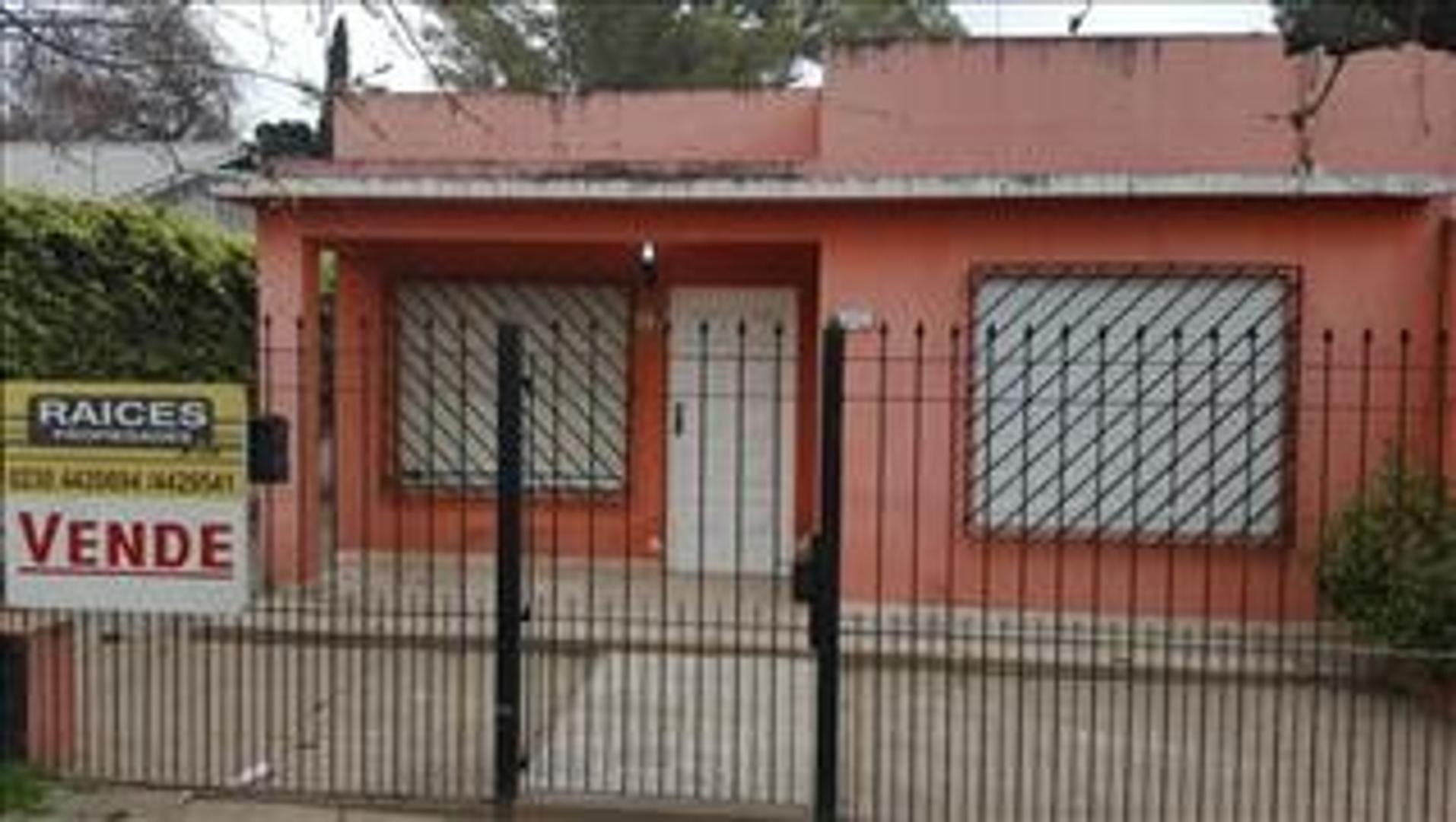 Casa en Venta en Agustoni - 3 ambientes