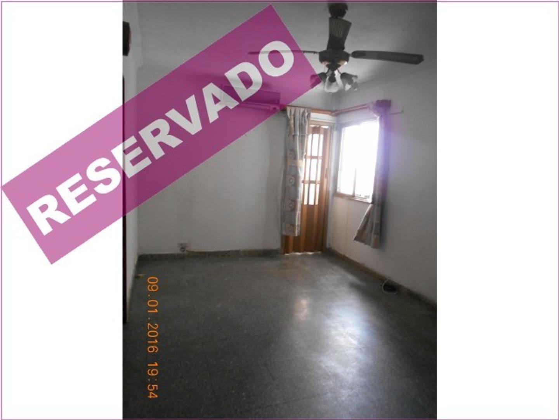 Av  Vernet y Av. La Plata 2 1/2 ambientes Semi piso Superluminoso