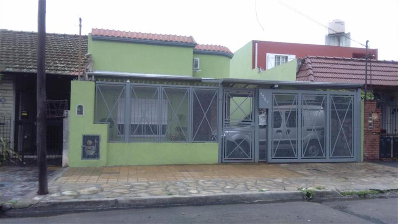 Casa en Venta de 3 ambientes en Buenos Aires, Pdo. de San Fernando, San Fernando, San Fernando Vias  /  Panamericana