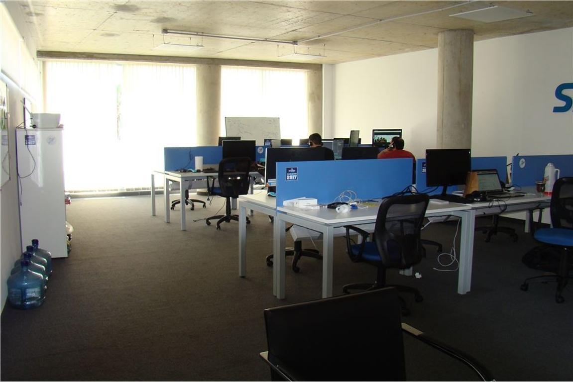 EXCELENTE OFICINA 79 m2 EN DISTRITO AUDIOVISUAL