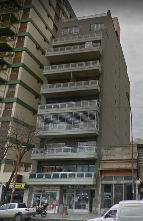 XINTEL(NIR-NIR-1071) Departamento - Alquiler - Argentina, Capital Federal - AV. RIVADAVIA  AL 10700