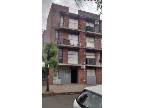 Departamento ubicado en crespo 1400, 1 dormitorio, al frente, balcón. idea renta.